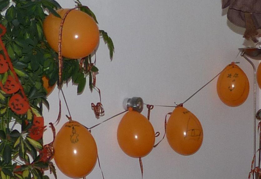 selbstbemalte Luftballon-Girlande