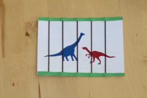 Dino-Einladung_7Gitterstaebe1