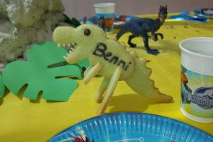 Dinosaurier-Tischkarten_AufTisch