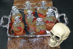 Blutende Skelett-Muffins